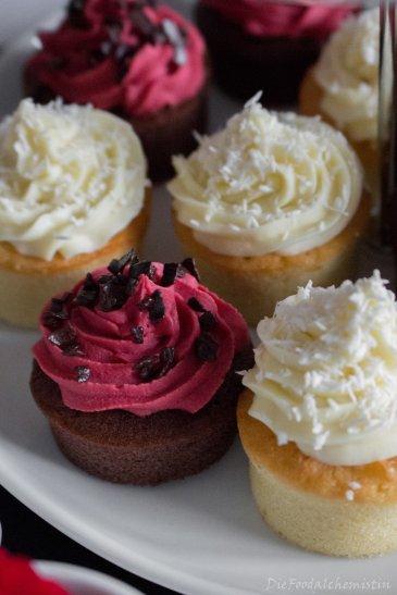 mini-cupcake-queens1