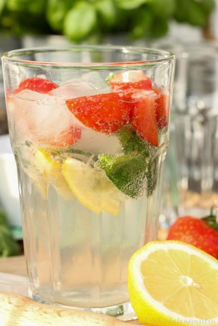 Gin-Basil-Strawberry2