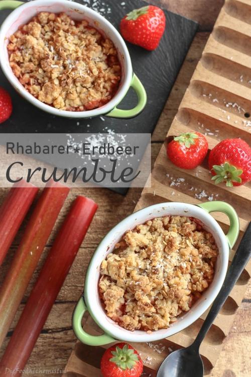 Rhabarber-ERdbeer-Crumble5