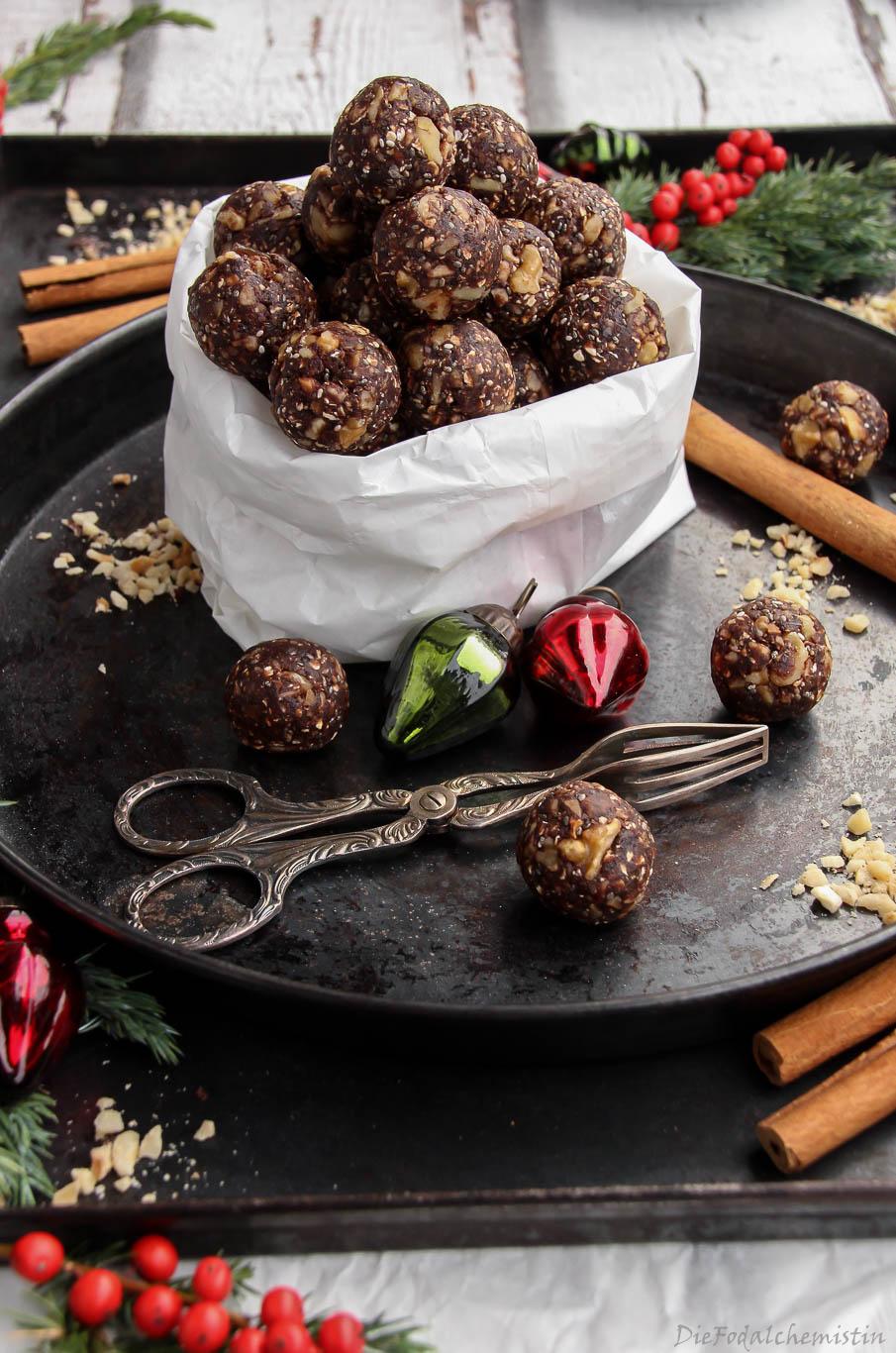 Christmas-Energy-Balls4