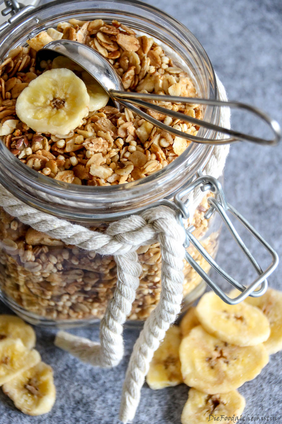 Bananen-Cashew-Granola2
